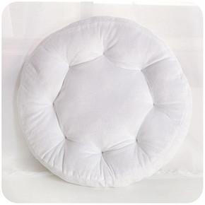 可爱小物# momoi 圆形花朵加厚毛绒坐垫 6.8元包邮(9.8-3券)
