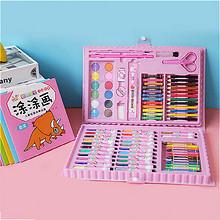 儿童水彩笔画彩色蜡笔